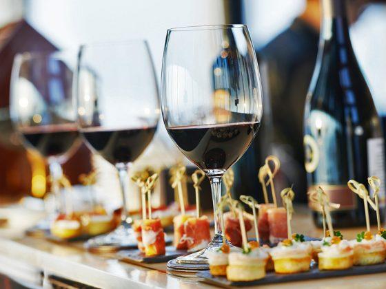 food wine party cibo vino esperienza ristorazione